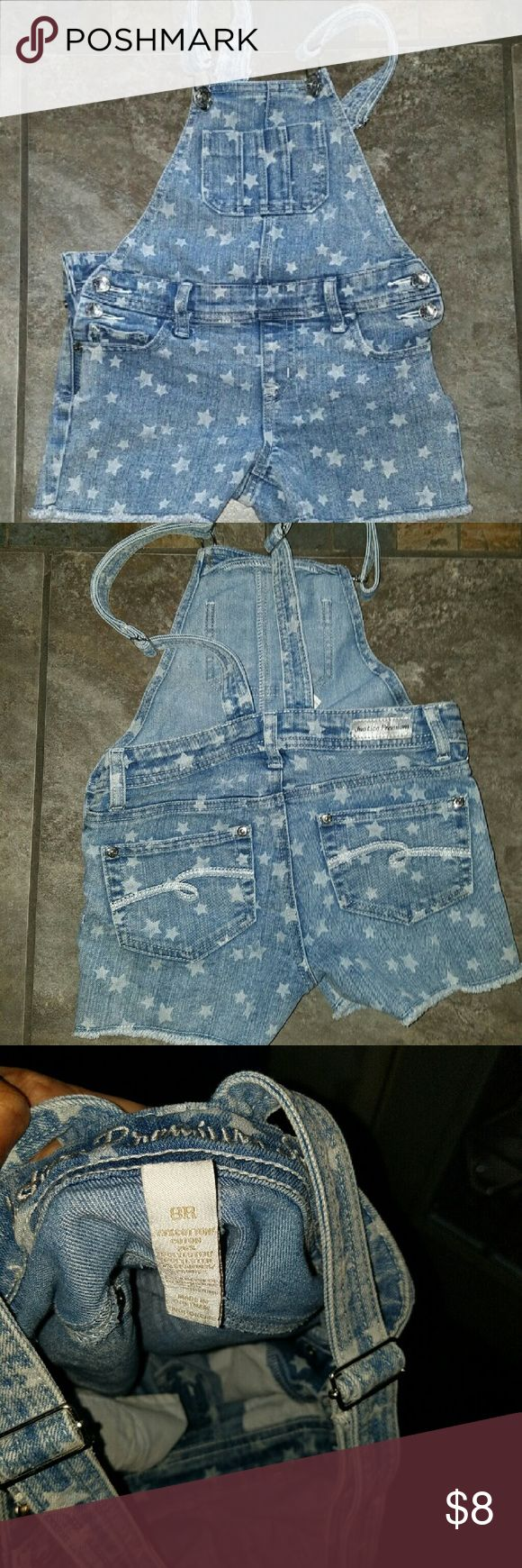 Little girls jean jumper Jean jumper with stars pattern. No stains or tears. Justice Bottoms Jumpsuits & Rompers