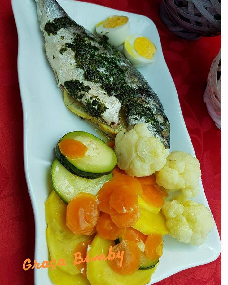 Dourada ao vapor com legumes e ovo - Cozinhar em pirâmide 2 em 1. E para o almoço saiu uma bela douradinha a vapor, os alimentos cozinh...