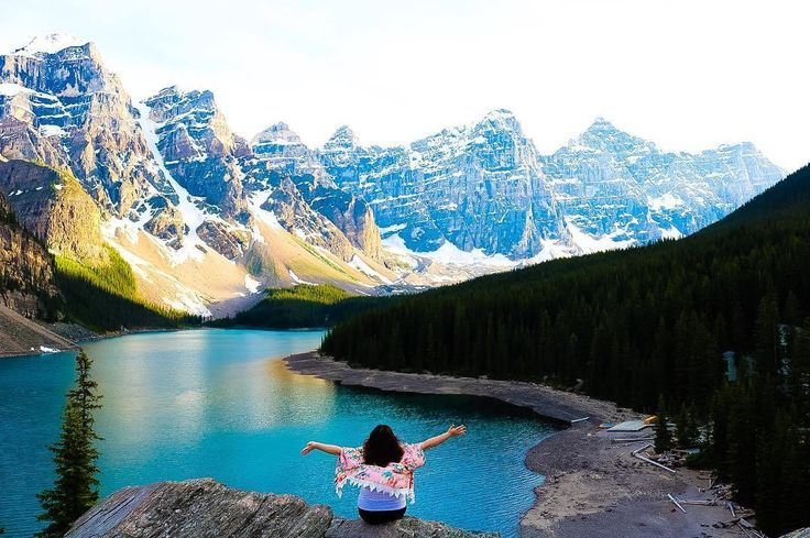 Banff Hot Springs, abandoned towns and hiking around Lake Louise- here are ten tips to doing Banff, Canada on a budget!