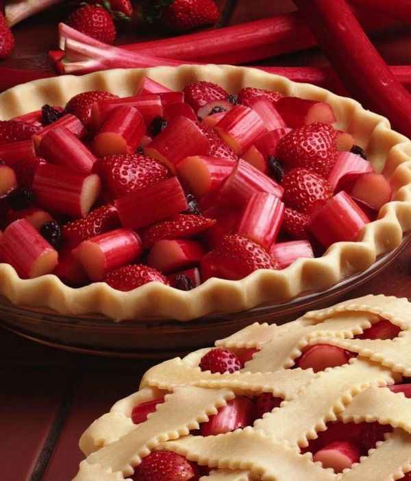 Yum!  Strawberry Rhubarb Pie - Ingredients  For the Crust:      150 grams all-purpose flour     2 teaspoons salt     1/2 cup vegetable oil     4 tablespoons milk  For the Filling:      4 medium stalks rhubarb, cut into 1 1/2 inch pieces     1 cup sliced fresh strawberries     100 grams white sugar     3 tablespoons tapioca