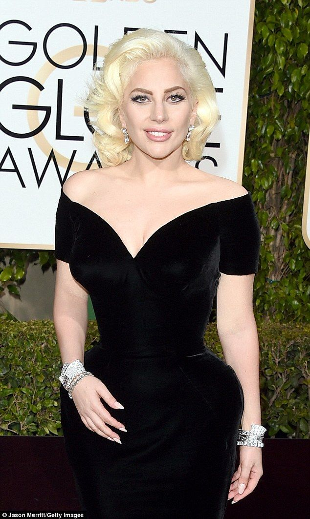 Countess-approved: The Cheek to Cheek songstress opted for nude lips and diamond accessori...