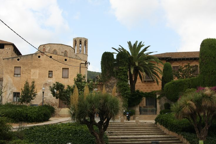 What to see in Barcelona? The gothic style of the Monastery of Pedralbes & surroundings!