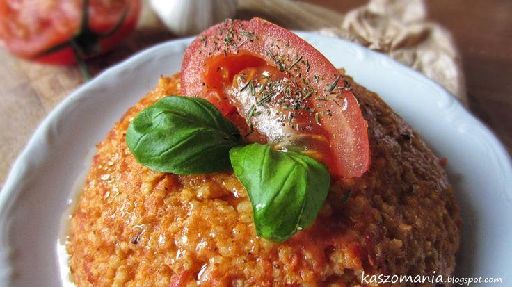Kasza jaglana z pomidorami, curry i czerwonym pesto