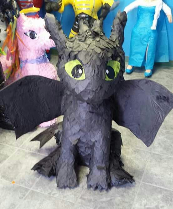 Toothless dragon piñata