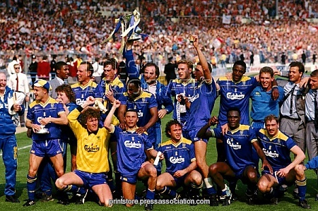 who won the fa cup final in 2013