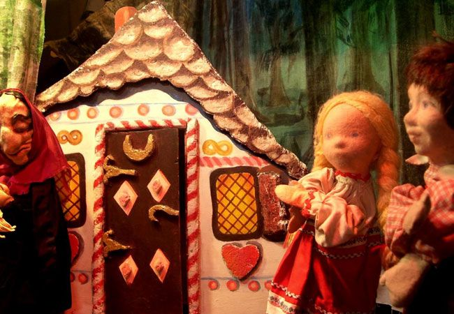 younghearts  |  The Rainbow Puppet Theatre at Constantia Waldorf School, Spaanschemat Rd, Constantia. Saturday mornings at 10h00 and 11h15