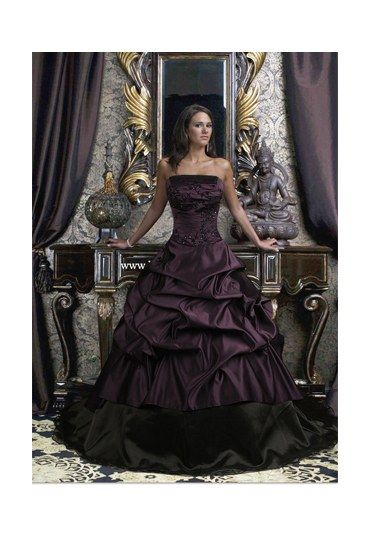 Gothic Wedding Dresses - Alternative wedding gowns - Drama Queen wedding gown by Gothic Wedding Dresses - £329.99. Specialising in Gothic, Renaissance, Medieval, Victorian and vintage Wedding dress the online boutique has every...