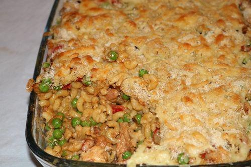 Macaroni ovenschotel met paprika, doperwten en kip - De keuken van Ursie