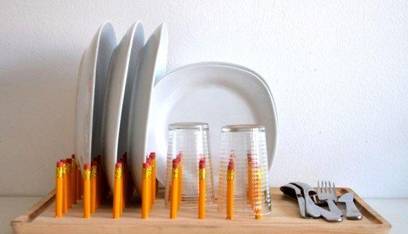 Настольная сушилка для посуды может быть изготовлена из простых карандашей и…