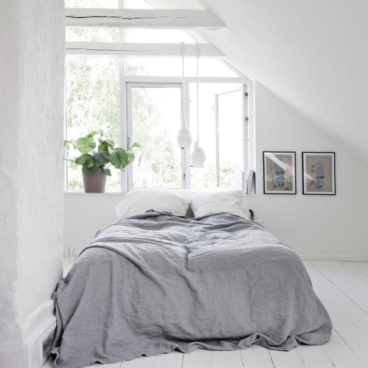 Colour: pure white - ELLE Decoration UK