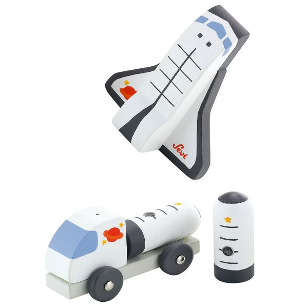 Space shuttle *** We gaan de ruimte in met deze prachtige kleine mini-space shutlle van Sevi. Houten speelgoed met een moderne uitstraling. Klein maar fijn voor uren speelplezier. Mooie afwerking.