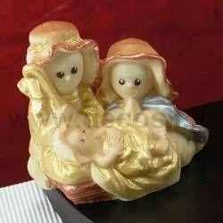 La Sacra Famiglia in cioccolato, facilmente realizzabile con gli stampi decosil. www.decosil.it
