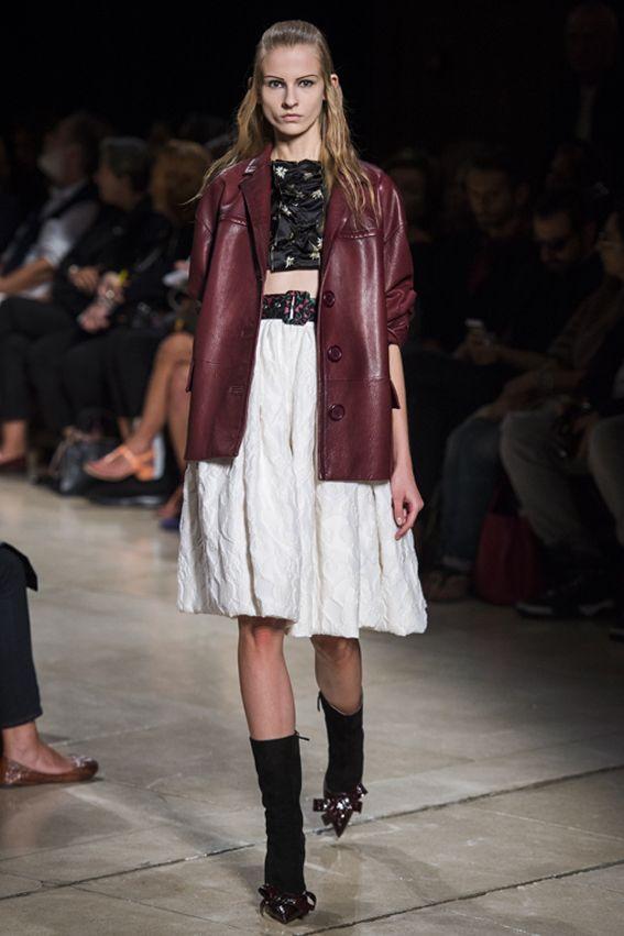 Mode à Paris S/S 2015 MIU MIU. See all fashion show at: http://www.bookmoda.com/?p=40379&lang=en #modeaparis #spring #summer #ss #fashionweek #catwalk #fashionshow #womansfashion #woman #fashion #style #look #collection #paris #miumiu