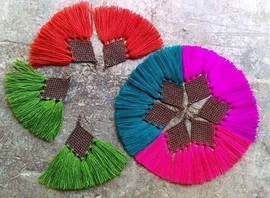 """""""Rojo Quetzal Arte 100% Mexicano en joyeria y accesorios de Autor. Presente en Manos mexicanas bazar 22a edicion este 19 y 20 de Agosto -Lerdo de Tejada #2147 en Punto Lavoro (Guadalajara, Jal.) Dos cuadras antes de llegar a Chapultepec. ENTRADA LIBRE -12 a 8 pm -Pet Friendly #creemosenlohechoenmexico ¡Te esperamos! #manosmexicanasbazar #bazaresgdl #bazareando #guadalajara #mexico #gdl #piezasunicas #compralocal #fashionblogger #styleblogger #travelblogger #mexico_maravilloso…"""
