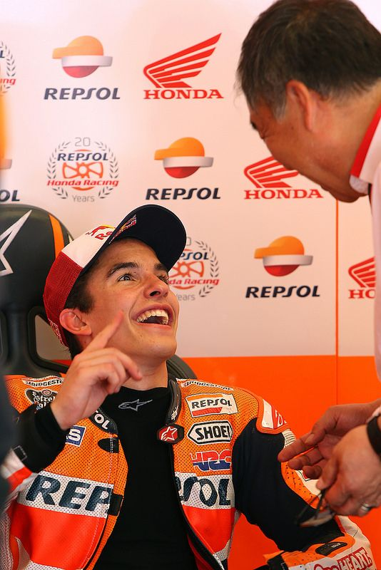 Marc Márquez with Shuhei Nakamoto (Vice President of Honda Racing Corporation)