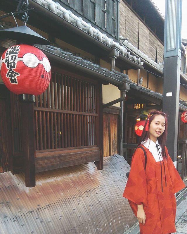 舞妓さん合わなかった(*´ェ`*)… #花見小路 #着物 #道行コート