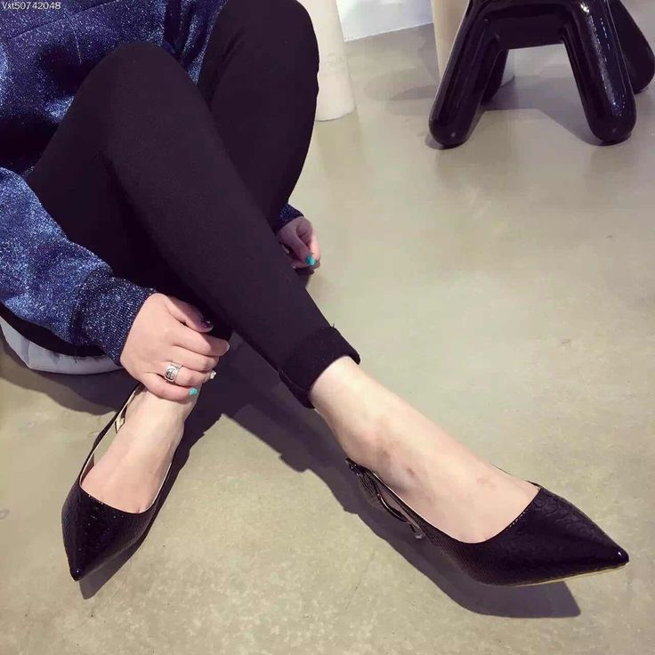 36.26$  Watch now - http://aix8e.worlditems.win/all/product.php?id=32616109533 - Sexy Women Pumps Hollow Buckle Strap Sandals Summer Wedding Shoes Snakeskin Pattern Women Low Heels Shoes 3.5cm