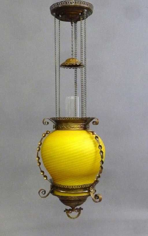Lot: Circa 1880's Oil Hanging Ceiling Lamp with Rare Mother, Lot Number: 0287, Starting Bid: $150, Auctioneer: Jay Anderson Auction, Auction: Jay Anderson Antiques & Fine Lighting Auction, Date: January 13th, 2018 PST