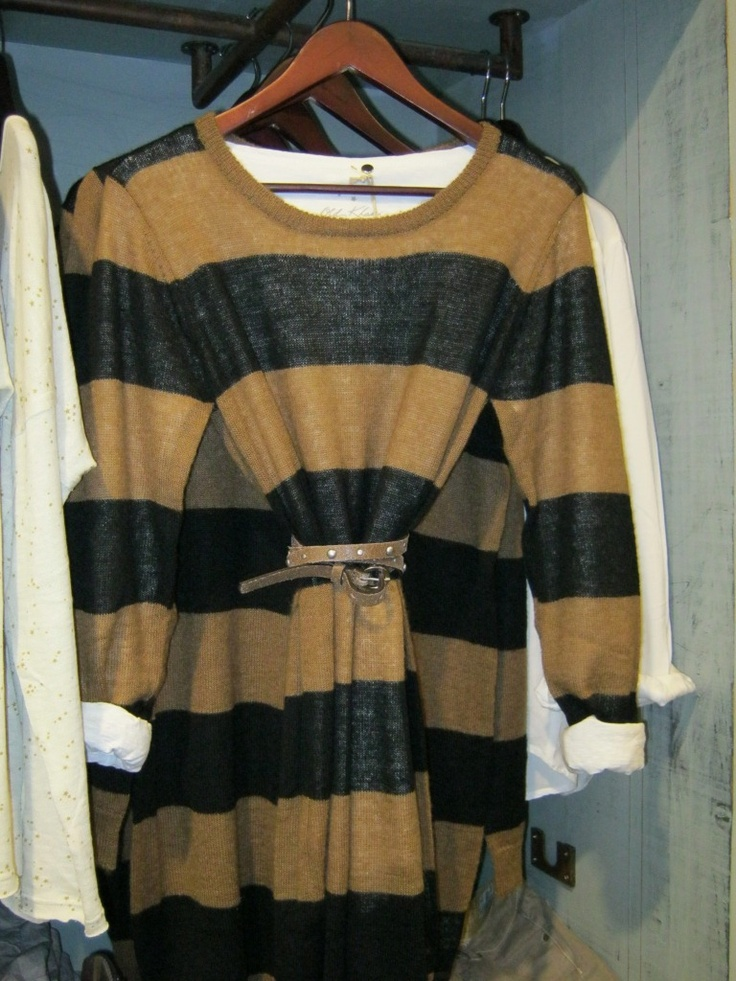 Love the stripes!! Stripes my weakness :)