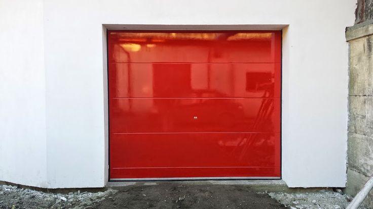 Usa de garaj sectionala Culoare: rosu ferrari