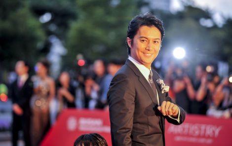 ニュース| 『第18回釜山国際映画祭』のオープニングセレモニーが3日、韓国・BusanCinemaCenterで行われ、「アジア映画の窓」部門にて出品される、映画『そして父になる』の主演を務める福山雅治が熱烈な歓迎を受けた。