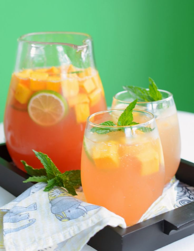Mango Sangria with White Wine and Lychee Liqueur | Dranks ...