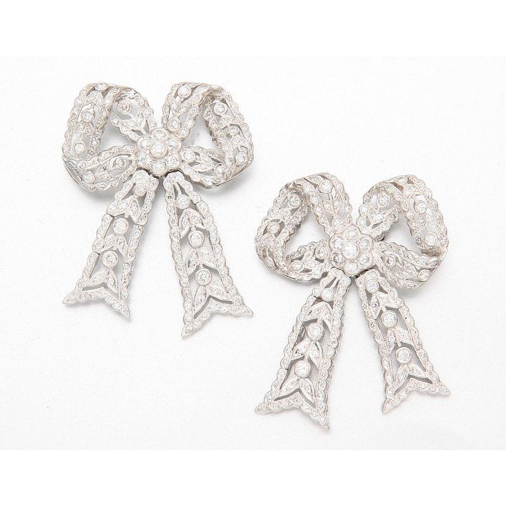 18K WHITE GOLD AND DIAMOND BOW EARRINGS. Edwardian or Edwardian style.