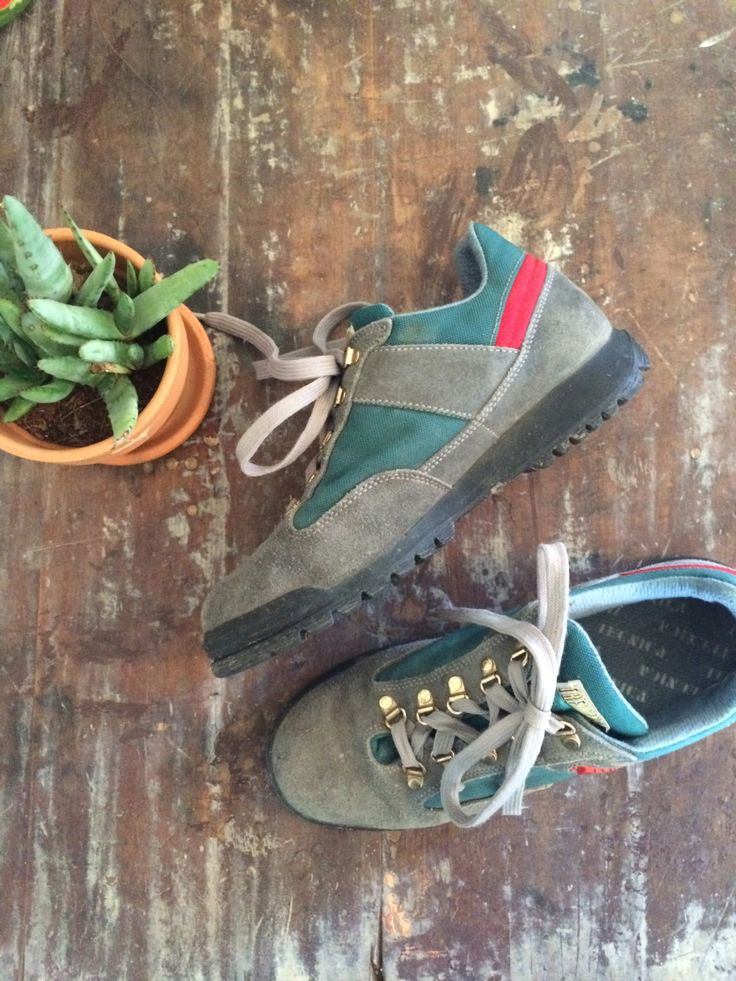 vintage gray leather trekking shoes // 1980s technica hiking flats // 10 women's // 8.5 men's by langvintage on Etsy