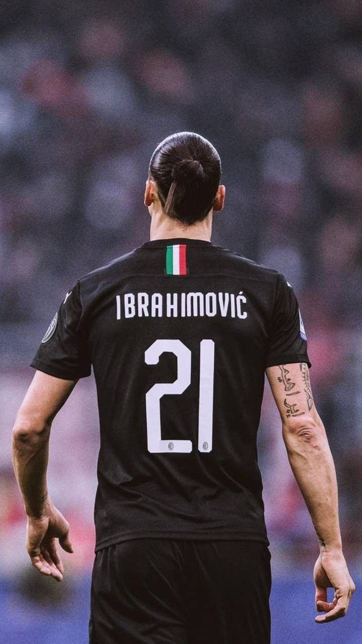 Pin By Il Pazzo On Calcio In 2020 Zlatan Ibrahimovic Ac Milan