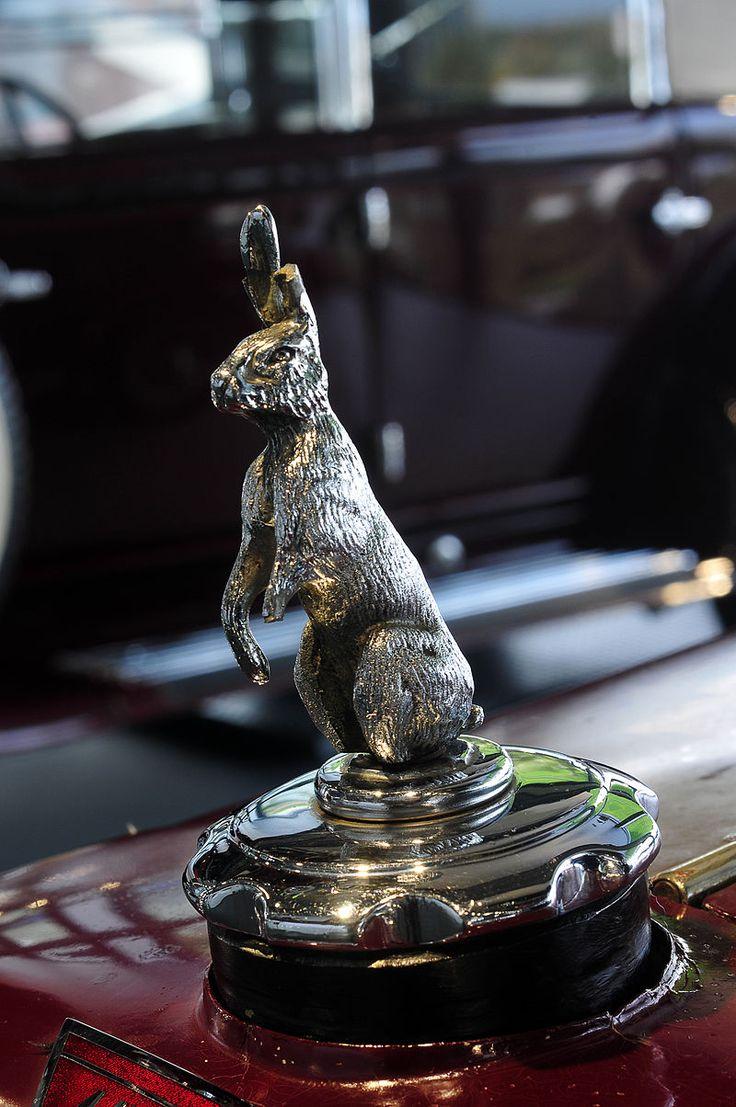 12-10-25-autostadt-wolfsburg-by-RalfR-07 - Alvis Cars – Wikipedia