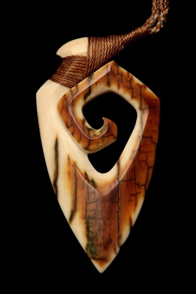 Mammoth Ivory Hei Matau (fish hook) natural color