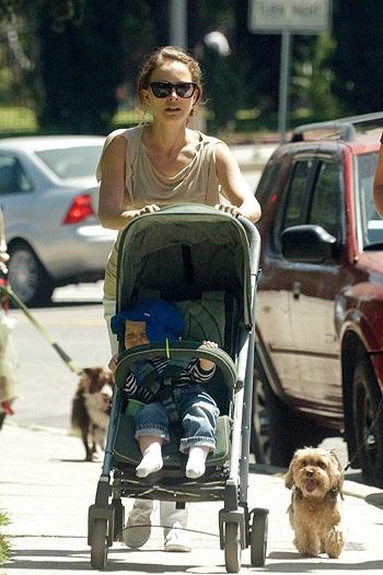 Beautiful Natalie Portman with baby in a CYBEX stroller  www.cybex-online.com