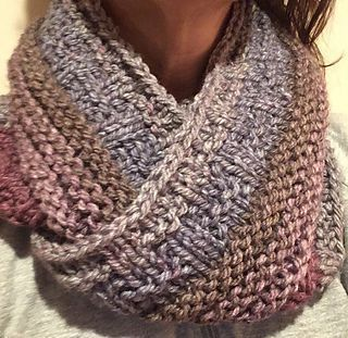 This is a warm cowl that uses basic knit and purl stitches.