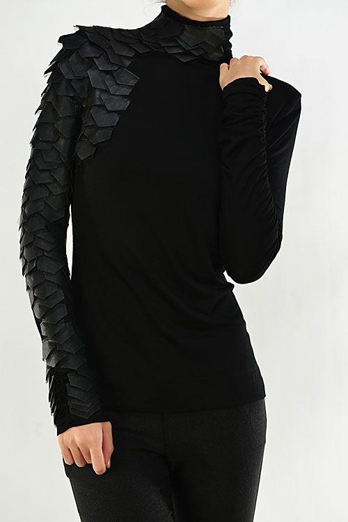 i almost like this top- it would be a great if this was crew neck & scales on both sides