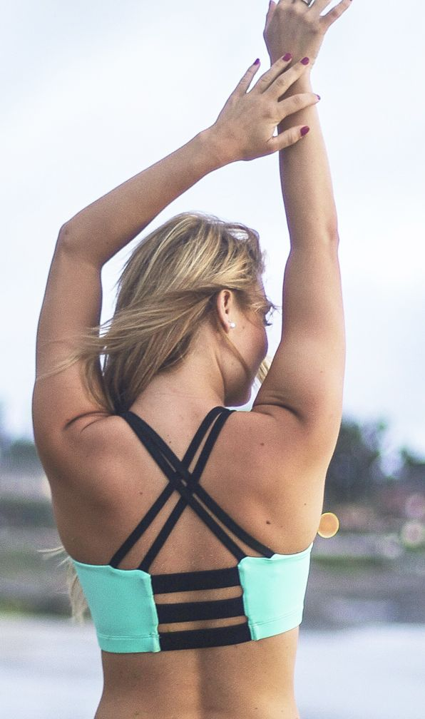 This sports bra is everything! Love this mint color and the super cute strappy back!