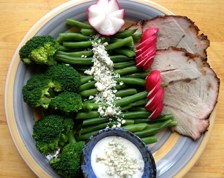 Mmmm... Blue Cheese Dressing Over String Beans and Broccoli Recipe