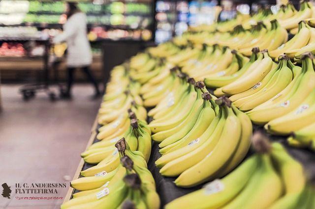 #Flyttetip: Undgå at handle madvarer i dagene lige op til flytningen - jo mere I får brugt inden, des mindre er der at #flytte. Mange madvarer både fylder, og er tunge at flytte med.