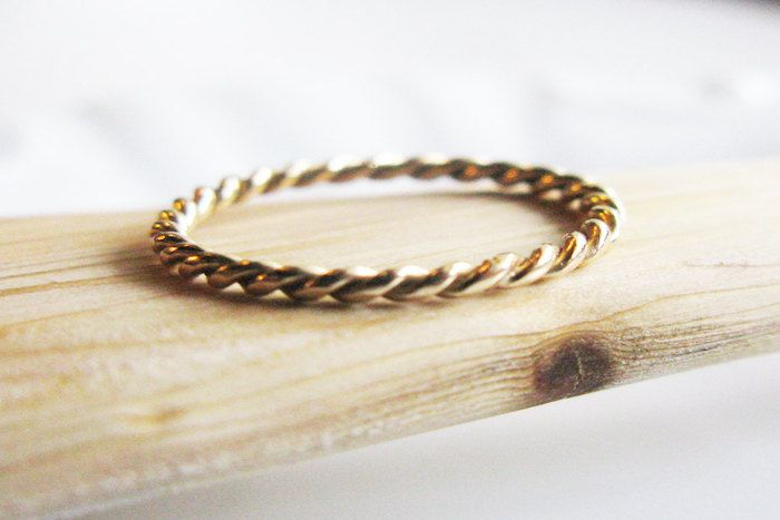 10 Alternative Wedding Rings