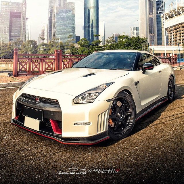 NISMO GTR • Follow @StickerCity • • Restyle your vehicle • • With a high quality custom wrap • • www.stickercity.com • _____________________________ • Photo by: @ronalderwphotography