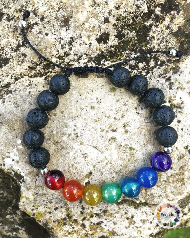 🌈Bracelet 7 Chakras, made with Agate and Lava Stone. Agate is a rock that serves to balance the energies and provide physical, emotional and intellectual balance... • #pedrasnaturais #naturalstone #gemstone #reiki #yoga #positivevibes #vibes #strength #energy #stone #om #powerlife #anandabracelets #ownlove #poder #fé #hope #jewelry #namaste #om #amuleto #pulseiras #joias #yoga #amor #chakras #chakra #energía #chakra #positive #trendy