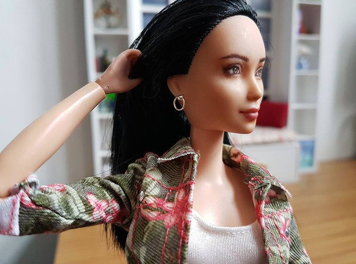 The secret to the perfect Barbie earrings #BarbieStyle #BarbieFashion #BarbieAccessories #BarbieJewelry #PlasticallyPerfect