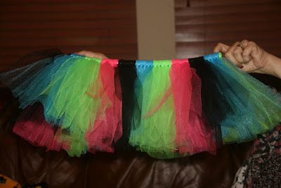 how-to guide for glow in the dark tutu! for the its glow time 5K :)