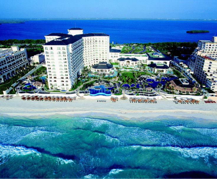 Aerial view of the JW Marriott Cancun Resort resort