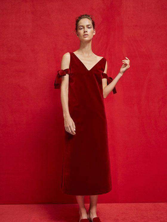 VESTIDO TERCIOPELO DETALLE LAZOS LIMITED EDITION de MUJER - Vestidos de Massimo Dutti de Otoño Invierno 2017 por 149. ¡Elegancia natural!