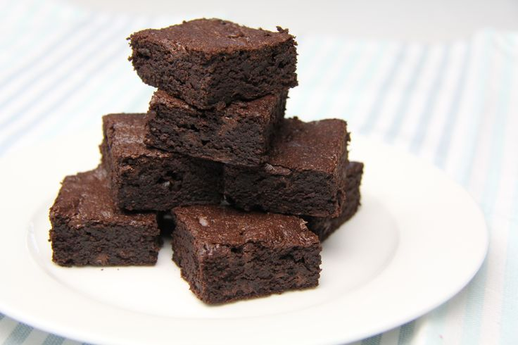 Gooey Brownies That Are Actually Good for You!    INGREDIENTS:    => 1 can black beans  => 1/4 cup cocoa powder  => 1/4 cup coconut oil  => 2 tsp vanilla => 3 eggs => 1/2 cup dark chocolate chips     DIRECTIONS:   BLEND - 1 can black beans, 1/4 cup cocoa powder, 1/4 cup coconut oil, 2 tsp vanilla, 3 eggs, and 1/2 cup dark chocolate chips. Place in oven for 20 minutes, then dig in.       Click the image to get 66 more healthy, gourmet-like meals for FREE!