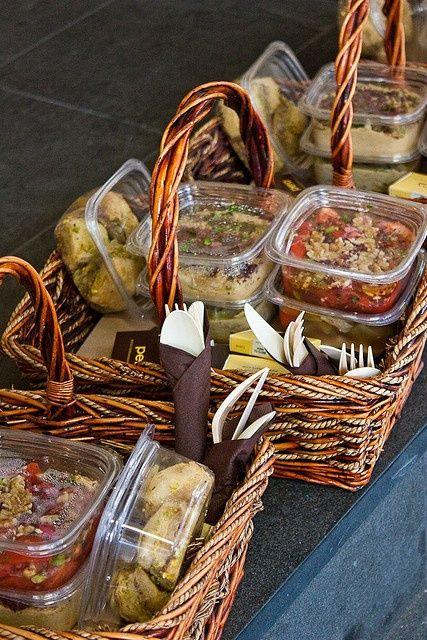 Picnic Basket Food : Canasta de comida para picnics diner en blanc