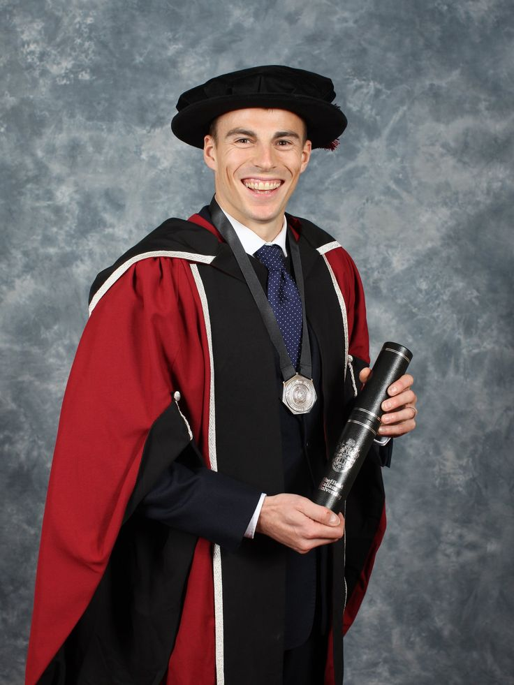 """Nick Matthew OBE: """"Fantastic day collecting my Honorary Doctorate from Sheffield Hallam University."""""""