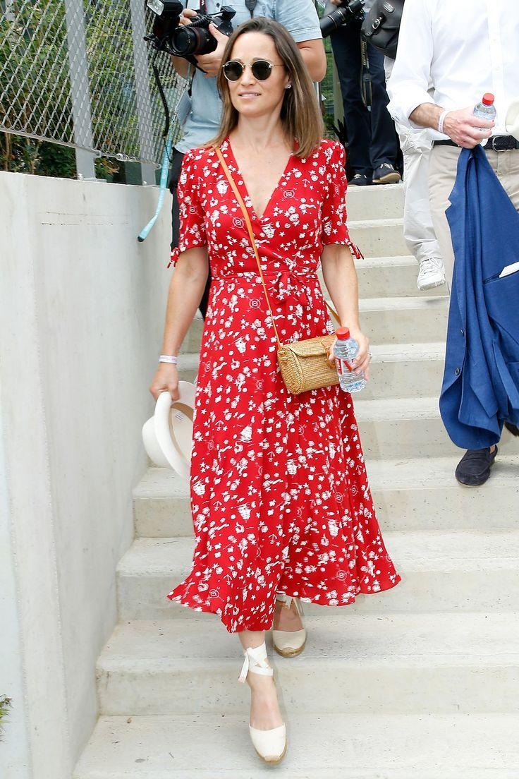 The Best Celebrity Style This Month Celebrity Dresses Nice Dresses Summer Dresses [ 1104 x 736 Pixel ]