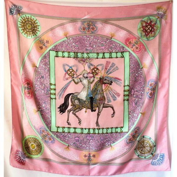 b88e94d85ed3 hermès carré feux d artifices M duchêne rare collector rose edition limitéx  soie brochée damassée