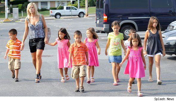 Kate gosselin and kids 2014 | Kate Gosselin's Kids Allegedly Expelled For Assault | PopEater.com